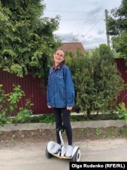 Ольга Руденко на своєму гіроскутері