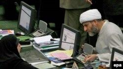 İran özü isə nüvə silahı istehsal etməsiylə bağlı ittihamları qəbul etmir
