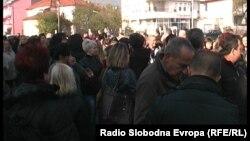 Архивска фотографија: Протест на родители на ученици во Кичево поради тоа што нема греење во училиштата.
