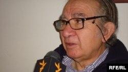 Испанский писатель и журналист Хосе Антонио Гурриаран дает интервью Радио Свобода