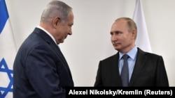 Ресей президенті Владимир Путин Израиль премьер-министрі Биньямин Нетаньяхумен кездесіп тұр. Мәскеу, 29 қаңтар 2018 жыл.