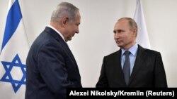 Президент России Владимир Путин (справа) и премьер-министр Израиля Биньямин Нетаньяху. Москва. 29 января 2018 года.