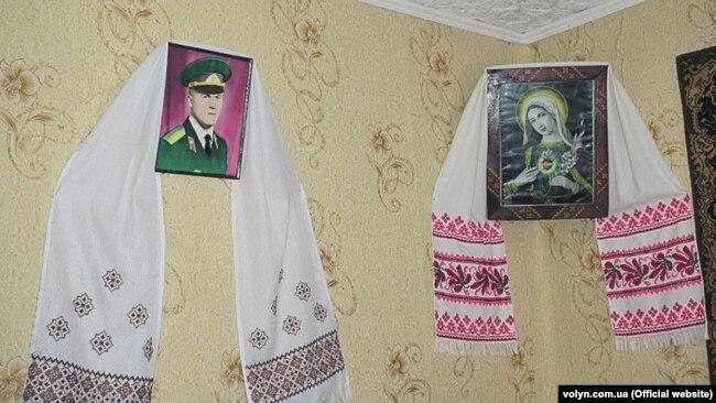 Портрет зниклого сина Ігоря досі висить у будинку його матері Антоніни Бєлокурової