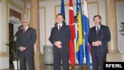 Najveći doprinos Hrvatske stabilnosti BiH bit će to da na konstruktivan način vodi računa o Hrvatima u BiH - Sven Alkalaj, Gordan Jandroković i Ahmed Dautoglu u Zagrebu