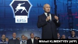 Нижний Новгород, 6 декабря 2017 года, Владимир Путин объявляет о своем намерении баллотироваться в президенты во время встречи с рабочими Горьковского автозавода