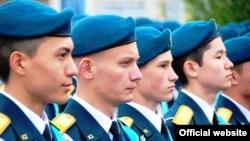 Курсанты военной школы в Казахстане. Иллюстративное фото.