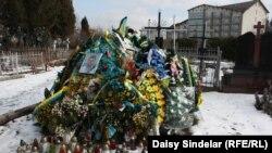 Grob vojnika Tarasa Doroša
