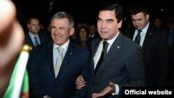 Türkmenistanyň prezidenti Gurbanguly Berdimuhamedow we Tatarystanyň prezidenti Rustam Minnihanow Kazanda, 16-njy maý, 2012-nji ýyl.