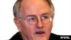 Аналитик Пол Гобл (архив)