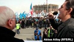 Arxiv foto: İctimai Palatanın aksiyası, 8 aprel 2012