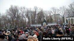 В городе Энгельсе Саратовской области прошел несанкционированный митинг протеста против ареста главы Энгельсского муниципального района Михаила Лысенко