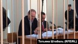Бывший губернатор Новосибирской области Василий Юрченко в зале суда