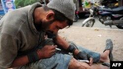 Наркоман на улицах Карачи