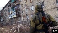 Боевик группировки «ДНР» в Макеевке. Февраль 2015 года