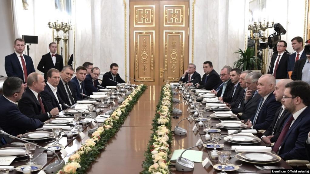 В. Путин на встрече с представителями российских информагентств и печатных СМИ. 20 февраля 2019 года