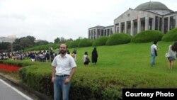 جنوبي کوریا: محمد عمر د دېګو په کینګ پوک یونیورسټۍ کې د پي ایچ ډي طالب العلم دی.