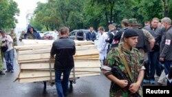 Пророссийские сепаратисты в Луганске готовятся к новым смертям. Заготовлено много пустых гробов
