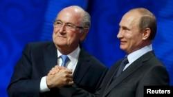 Президент ФИФА Зепп Блаттер гордится своими хорошими отношениями с Владимиром Путиным