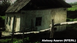 Дом, из-за которого, по сценарию фильма, разыгрался конфликт. Кадр фильма режиссера Адильхана Ержанова «Хозяева».