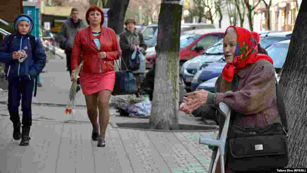 Women in the Moldovan capital, Chisinau