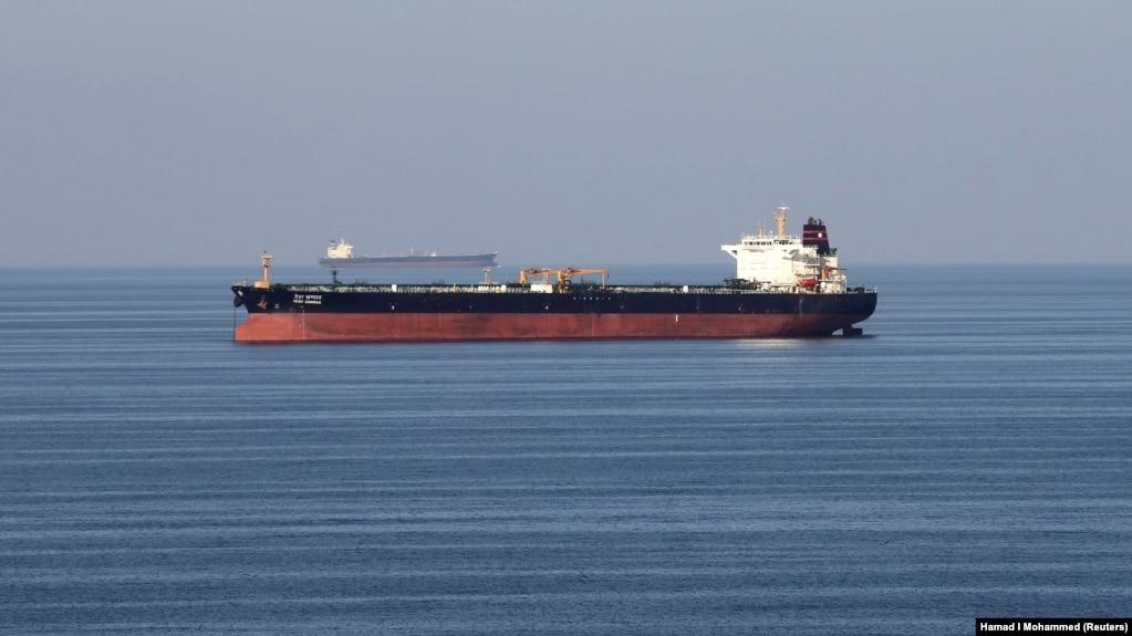 هوک: صادرات نفت ایران را از ۲.۵ میلیون به ۷۰ هزار بشکه در روز رساندیم