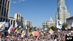 На проспекте академика Сахарова в воскресенье