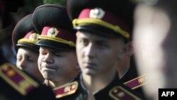 Юные украинские курсанты принимают присягу. Львов, 14.10.2014