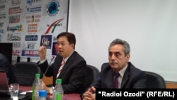 """Нишасти хабарии намояндагони """"Qnet"""" дар шаҳри Душанбе."""