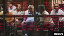 بورس تهران پس از ماهها رکوردشکنی، چند هفتهای است با افت شاخص و ریزش قیمت ها روبروست