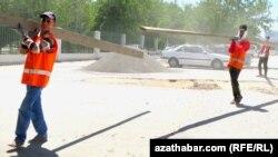 Parahat-2 etrapçasynyň ýollary abatlanýar, Aşgabat