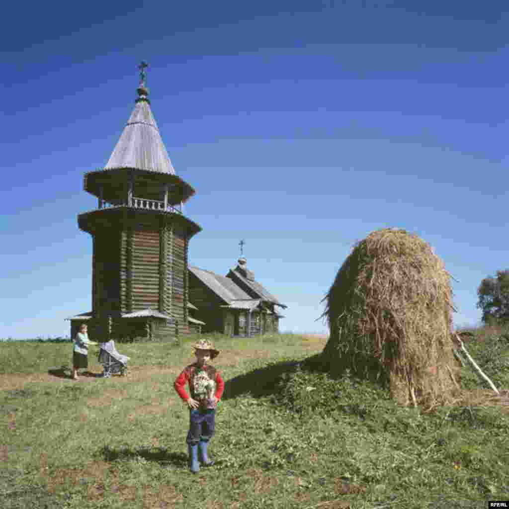 Russia's Vanishing Wooden Churches #3
