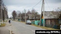 Цэнтральная вуліца вёскі Ліпаўка