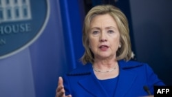 U.S. Secretary of State Hillary Clinton met with Belarusian human rights activists in Washington on January 6.