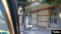 عکسی که در توییتر از تعطیلی مغازهها در شهر سقز منتشر شده است.