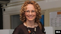 Радмила Шеќеринска