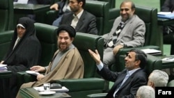 احمدینژاد در مجلس- ۲۴ اسفندماه ۱۳۹۰