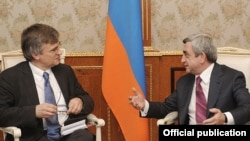 Armenia -- President Serzh Sarkisian (R) meets Peter Semneby, the European Union's departing representative to the South Caucasus, 24Feb2011.