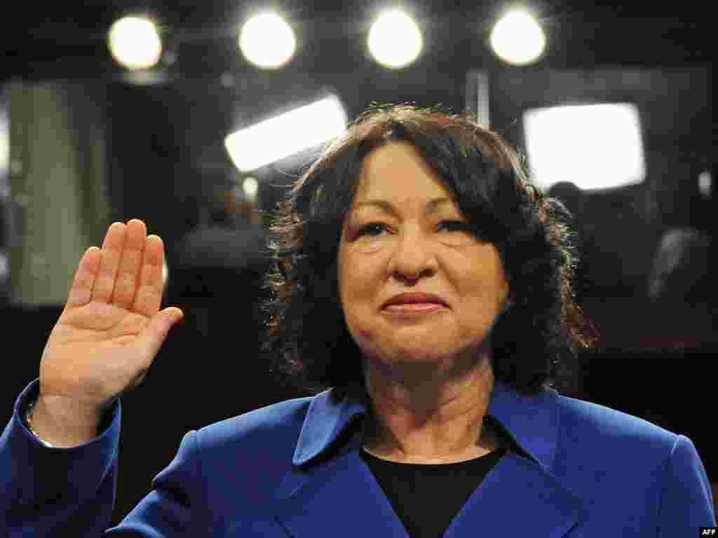 В сенате США начались слушания по утверждению Сони Сотомайор на должность члена Верховного суда.