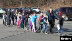 Sendi Huk məktəbi - 14 dekabr 2012