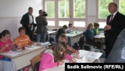 Goran Mutabžija u školi u Konjević Polju, gdje je imao i sastanak sa roditeljima