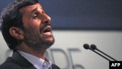 محمود احمدینژاد در محل نشست تغییرات آب و هوای کپنهاگ