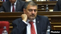 Armenia - Deputy Prime Minister Vache Gabrielian attends a parliament session in Yerevan, 20May2015.
