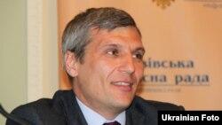 Його вважають правою рукою лідера партії Олега Тягнибока