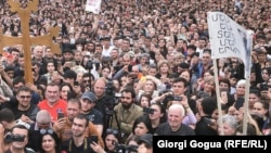 Georgia/Armenia - Participants of the protest rally in Ijevan. 28Apr2018.