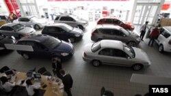 С января по июль продажи новых автомобилей сократились на 6% к прошлогоднему уровню