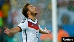 Футболист сборной Германии Марио Гётце.