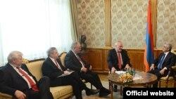 Президент Армении Серж Саргсян принимает сопредседателей Минской группы ОБСЕ, Ереван, 24 мая 2013 г.
