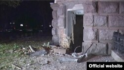 Ukraine -- the explosion in front of the SBU, Odessa, 27Sep2015 (photo from MIA)