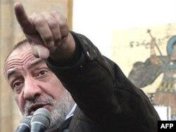 Георгий Хаиндрава на оппозиционном митинге в Тбилиси в ноябре 2007 года