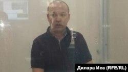 Белсенді Руслан Жанпейісов сотта тұр. Шымкент, 28 қыркүйек 2017 жыл.